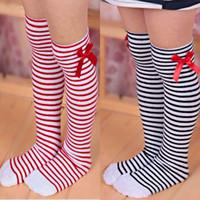 meias de joelho cinza venda por atacado-Crianças Meias Meninas Bowknot Listrado Vermelho Meias de Inicialização Do Joelho Inverno Alta Rosa Quente Meias para o Natal Sólido Cinza Longo Meia