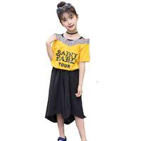d3b17ac6306d8 Été Enfants Set 2 PCS Mignon Jaune Lettre Ruffle Coton T Shirt pour Enfants  Mode Lâche Shorts Pour Filles Nouvelle Filles Vêtements Set