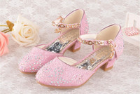 weiß gekleidete modell high heels großhandel-Kinder Mädchen Sandalen High Heel Prinzessin Schuhe Student Modell Wettbewerb Leistung Kinder Abendkleid Schuhe Weiß / Pink / Gold