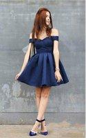 hermosos vestidos de fiesta azul marino al por mayor-Hermosa azul marino del hombro árabe Homecoming vestidos con satén sin mangas hasta la rodilla vestido de fiesta corto Cóctel fiesta de graduación Clu
