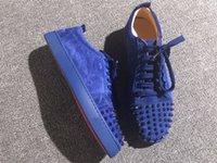 vestido de couro azul para as mulheres venda por atacado-Red Bottom Designer Shoes Azul Vermelho Vestido Sapatos Studded Spikes Flats sapatos Para Homens e Mulheres Amantes Do Partido Sneakers De Couro Genuíno