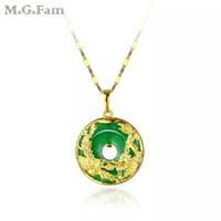 grüne jade china großhandel-MGFam (173P) Drachen und Phoenix Anhänger Halskette Für Frauen Grüne Malaysische Jade China Alte Maskottchen 24 Karat Gold Überzogen mit 45 cm Kette