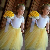kızlar için sarı etekler toptan satış-2019 güzel Sarı Etek beyaz Üst balo elbisesi Çiçek Kız Elbise tül etek sevimli mücevher Doğum Kız komünyon Yarışması Elbise kabarık