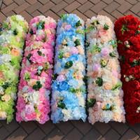 elegante hochzeitsmittelstücke großhandel-Neue Ankunfts-elegante künstliche Blumen-Reihen, welche die Mittelstücke Straße zitiert Blumen-Tischläufer-Dekorations-Versorgungsmaterialien Wedding sind Freies Verschiffen