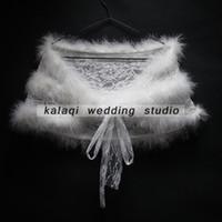 vestidos de dama de honra de inverno casacos venda por atacado-Barato Faux Fur Wedding Wraps Shrug Vestidos De Noiva Xales Quentes Roubou Cape 2017 Estoque Bolero Para Senhoras Formais Desgaste Laço Da Fita