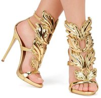 ingrosso sandali neri ali d'oro-Vendita calda Ali di metallo dorate Abito con cinturino alla caviglia Argento oro Rosso Nero e blu Scarpe con tacco alto di Gladiatore Donne Sandalo alato metallizzato