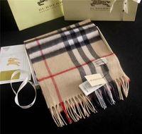 shawl wrap men venda por atacado-High-end de outono e inverno dos homens e das mulheres usam cachecol de lã xale uma variedade de cores de treliça de design de borla acessórios casuais