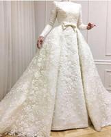 vestidos musulmanes bodas al por mayor-2019 Vestidos de noche musulmanes Escote barco Mangas largas Encaje Apliques Vestidos de novia con cuentas con sobrefaldas Vestido de bodas