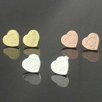 brincos de coração de pêssego venda por atacado-2018 titanium aço marca coração de pêssego atacado lady coração forma NEW YORK double t brincos encantos moda Dia dos Namorados