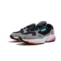 Wholesale new football shoes for sale - Falcon W Originals New Mens Designer Running Shoes for Men Casual Trainers Women Luxury Brand Sports Sneakers