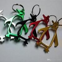 edc anahtarlıklar toptan satış-Karikatür Penguen Şekil Bira Açacağı Alüminyum Alaşım Anahtar Toka Açık EDC Aracı Anahtarlıklar Yeşil Simli Yüksek Kalite 0 9xx Ww