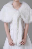 chales de piel sintética de conejo al por mayor-2018 imitación de piel de conejo libre de marfil boda de invierno nupcial abrigos chales cálidos prendas de vestir exteriores mujeres Beloro para la fiesta de noche de baile CPA1497