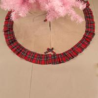 árbol de navidad del remiendo al por mayor-Árbol de navidad faldas Bowknot Patchwork Home Pad rojo enrejado adorno de lino Festival suministros decoración caliente venta 26 5zt hh
