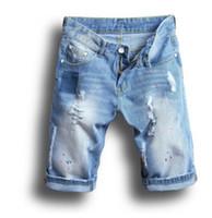 blue jean shorts for men toptan satış-Erkekler Jean Şort Yaz Ripped Denim Mavi Yarım Diz Boyu Şort Slim Fit Şort