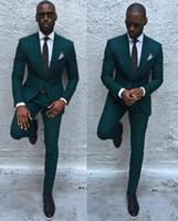 calça spandex verde mens venda por atacado-Verde escuro Fino Homens Ternos 2017 Bonito Dos Homens Ternos De Casamento Padrinhos de Noivo Smoking Partido Prom Ternos de Negócios (Jacket + Pants + Tie)