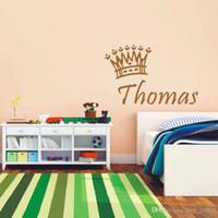 ingrosso i nomi dei neonati-Nuovi Baby Boys personalizzati Nome, Baby Poster esclusivo Corona decalcomanie in vinile Baby Bedroom Wall Art Decor