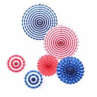 ingrosso decorazioni di fiori di carta-Girandole Hanging Flower Paper Crafts Fashion Pieghevole ritagliato Ventagli di carta Artigianato Decorazioni di nozze Forniture Vendita calda 11yj CB