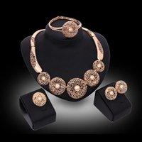 altın bilezikler toptan satış-Kolyeler Küpeler Bilezikler Yüzükler Takı Setleri Moda Kadınlar Lüks 18 K Altın Kaplama Daire Oymak Parti Takı 4-Piece Set JS157