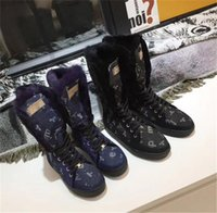 botas planas de piel de invierno al por mayor-2018 Marca de lujo Furry Snow Boots Fur Suede Juventud Bota de nieve Warm antideslizante Esquí de invierno High Cut Below rodilla plana de algodón acolchado Zapatos 77