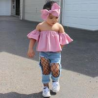 kazık atmak toptan satış-Sevimli Çocuk Giyim Bebek Kız Giysileri Set 3 Adet Moda Toddler Kızlar Pembe Kapalı Omuz Tops + Denim Yırtık Kot + Kafa Bebek Kıyafetler Set