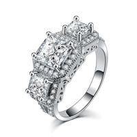 prens gelin yüzüğü toptan satış-Gümüş Renk Lüks Prens Kesim Alyans Nişan Kübik Zirkonya Takı Kadınlar için Lover Hediye Kristal