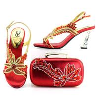 cuñas zapatos de boda bolsas al por mayor-zapatos con bolso clutch a juego, bolso de piedras grandes con zapatos de cuña. bolso clutch con zapatos para fiesta para bodas