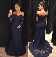 vestidos clásicos turcos al por mayor-Vestidos de noche de sirena azul marino 2019 de encaje Mangas largas Vestidos de baile fuera del hombro Barrido Vestido de dama de honor