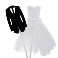 ingrosso valentines vestire bianco-Divertimento Sposa Tuxedo Groom Dress Wedding Cake Topper Anniversario San Valentino Fidanzamento Cake Decor forniture nero bianco
