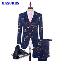 männliche kostümmuster großhandel-Neue Stilvolle Luxus 3 Anzug Männer Hochzeit Anzug Gedruckt Libelle Rooster Muster Smoking Bühnenkostüme Für Sänger