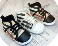 chaussures new age achat en gros de-NOUVEAU Marque Nouveau-Né Enfant En Bas Âge Bébé Fille Garçon Semelle Souple Toile Crib Chaussures Sneaker Prewalker Ventilé Chaussures de Bébé