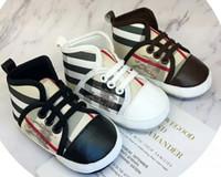 ingrosso scarpe con marchio bambino-NOVITÀ Nuovissimo Neonato Neonato Neonata Ragazzo Morbido Suola Tela Scarpe da culla Sneaker Prewalker Scarpe da bambino ventilate