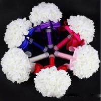 rosafarbene blume blaue farben großhandel-2018 Elegante Rose Künstliche Braut Blumen Braut Bouquet Hochzeitsstrauß Kristall Royal Blue Silk Ribbon Neue Buque De Noiva 7 Farben