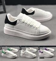 descuento vestido de zapatos al por mayor-Descuento barato lujo Desinger mujeres hombres zapatos casuales zapatos de vestir para hombres zapatos de boda de cuero zapatillas de deporte diarias 35-43