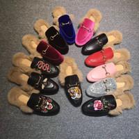 nuevas zapatillas para el invierno al por mayor-Las nuevas mujeres de Princetown zapatillas de cuero con piel de gamuza de terciopelo de invierno mocasines de deslizamiento Muller plana EUR35-42 con caja