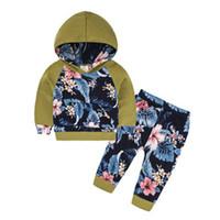 mavi yeşil tozluklar toptan satış-Sonbahar Bebek Bebek Giyim Setleri Yenidoğan Bebek Kız Giysileri yeşil çiçek Kapşonlu Tops + Uzun Pantolon Tayt 2 adet Kıyafetler Set