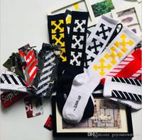 американские бедра оптовых-18SS Европейский и американский улица хип-хоп популярный логотип скейтборд носки завод от имени высокой банды мужской шланг тенденция длинный шланг Т