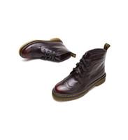 botas martin borgoña al por mayor-Señoras Boots, Martin Boots, Bullock style.comfortable y tienen buen mantenimiento, exquisito tallado.Botas de bota, Toes redondos, burdeos, con cordones.