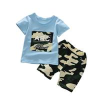 traje de ejército de niños al por mayor-2018 Summer new Army Camuflaje Baby Boy Girl camiseta corta de algodón Top recién nacido ropa impresa Sets trajes de regalo ropa para niños