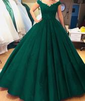 yeşil v yaka balo elbisesi toptan satış-Vintage Koyu Yeşil Balo Gelinlik Modelleri Uzun Kat Uzunluk Dantelli Dantel Aplikler V Boyun Kapaklı Örgün Özel Durum Elbise Özelleştirilmiş