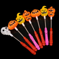 ingrosso luci per zucche di halloween-Halloween Luminous Hand Stick Pumpkin Skulls Halloween Bar Party Trick Toys Bastone luminoso a mano Variabile giocattolo leggero