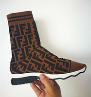 botas decorativas al por mayor-Zapatillas Slip-on de tela de marca para mujer Botas Fashion Lady Estilo Tone-on-tone Cordones decorativos Suela de goma Zapatos deportivos Tamaño EU35-42