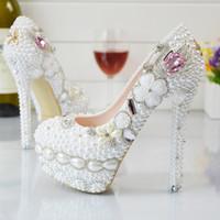 ingrosso scarpe bianche per matrimoni-Pearl Flowers Wedding Shoes 2018 Pink Diamond Pumps Tacchi alti Scarpe da sposa 5cm 8cm 11cm 14cm Bling Bling Prom Shoes per Lady