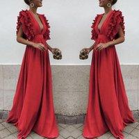 vestidos de noche de satén rojo cuello v al por mayor-Red Ruffles con gradas vestidos de baile 2019 Sexy cuello en v profundo sin mangas vestidos de noche satinado piso de longitud vestido formal del partido