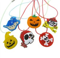 Wholesale Kids Led Flashing Necklaces - Pumpkin LED Flashing Necklace Glow Pendant Plastic Luminous Kid Cartoon Necklace Halloween Christmas Party Supplies Toy YH218