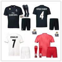 parches de la camisa de los hombres al por mayor-2018 2019 Real Madrid hogar Away 3RD MANS kits adultos camisetas con parche 18 19 Reales Madrid RONALDO BENZEMA JAMES BALE camisa