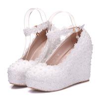 023428174e1d7 Kaufen Sie im Großhandel Weiße Perlenschnüre Hochzeit Schuhe 2019 ...