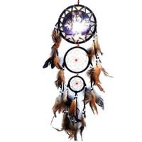 rüya avcısı ev dekorasyonu toptan satış-Yeni El Yapımı Dreamcatcher Rüzgar Çanları Kurt Desen Tüy Kolye Dream Catcher Asılı Hediye Ev Dekorasyon Süs GA127