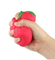 yenilik çilek toptan satış-11 * 9 cm PU Kawaii Çilek Yumuşacık Krem Kokulu Yavaş Yükselen Yenilik Squishies Charms El Çocuk Yetişkin Oyuncak Stres Hediyeler HH7-380
