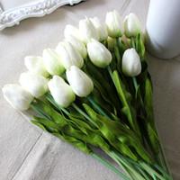 tulipas amarelas artificiais venda por atacado-Tulipa Flores Artificiais Real Toque PU Artificial Bouquet Flores Para Casa de Casamento Flores Decorativas 20 Pçs / lote Branco Vermelho Amarelo
