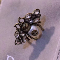Wholesale vintage solitaire diamond ring - 2018 Vintage brass luxurious opened bee shape and diamond ring with nature colorful pearl decorate and stamp logo charm ring jewelry PS643